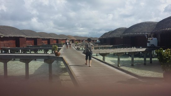 Anantara Dhigu Maldives Resort: water villas