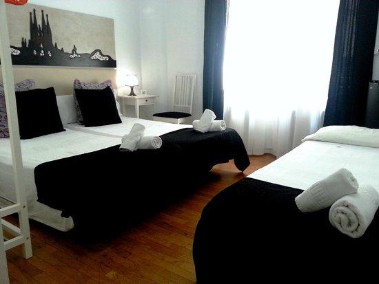 Petit Hotel : Triple con baño dentro