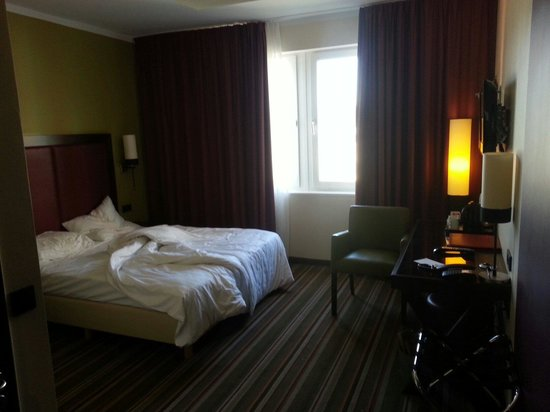 Leonardo Hotel Berlin: Stanza