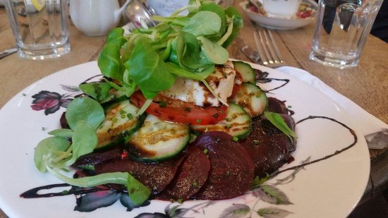 Pettigrew Tea Rooms: Beetroot and Pantysgawn Welsh goat's cheese salad