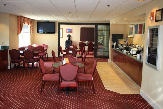 Comfort Inn Plymouth: Dining area with meeting room