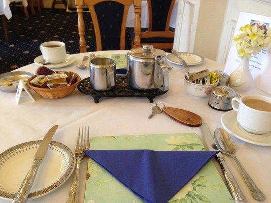 Keppels Head: Breakfast table
