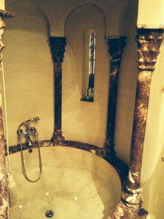 La Sultana Marrakech: bathroom