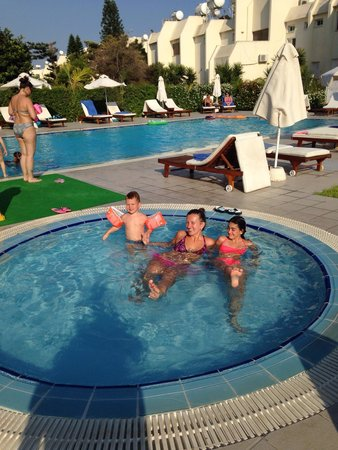 Frixos Suites Hotel apts: We and the pool ;)