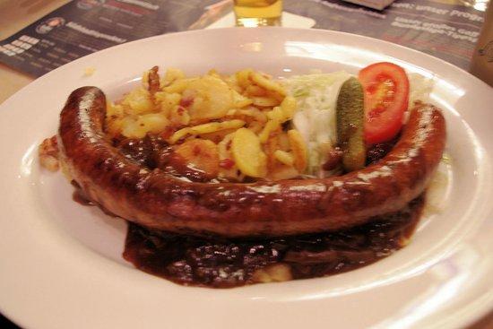 Gaffel am Dom: 1/3 meter Bratwurst