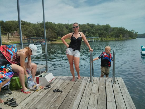 Lunker Landing Resort: Swim deck on dock!