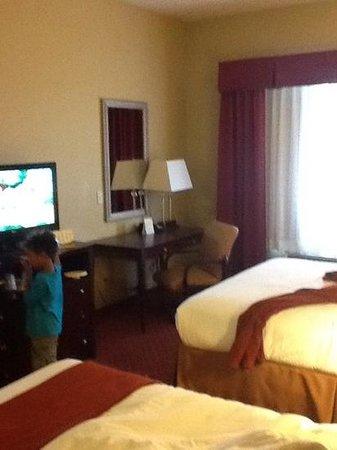 Holiday Inn Winter Haven: room