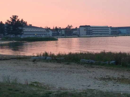 Clearwater Lakeshore Motel: view from beach