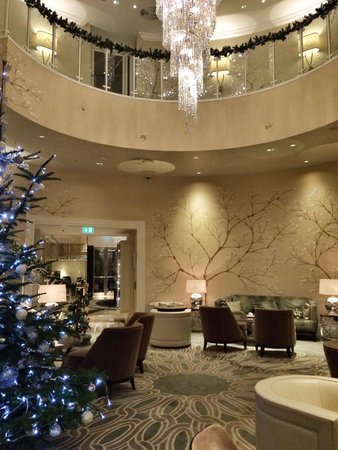 The Park Tower Knightsbridge, A Luxury Collection Hotel, London: Tea Lounge