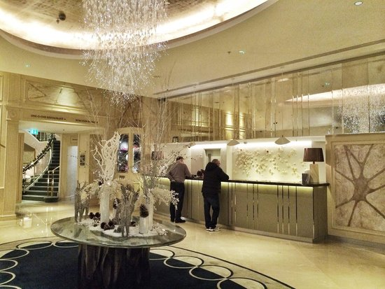 The Park Tower Knightsbridge, A Luxury Collection Hotel, London: Reception