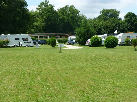 Camping Le Bois du Coderc: Places, ensoleillées