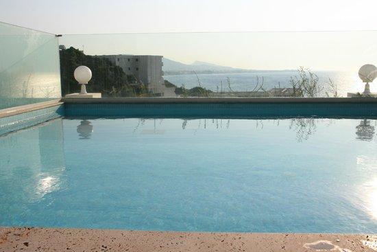 Atrium Platinum Hotel: Private plunge pool
