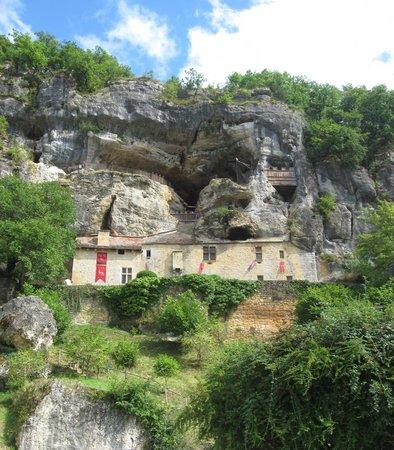The Maison Forte de Reignac: View from the parking lot