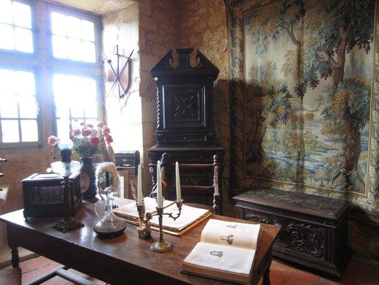 The Maison Forte de Reignac: A room