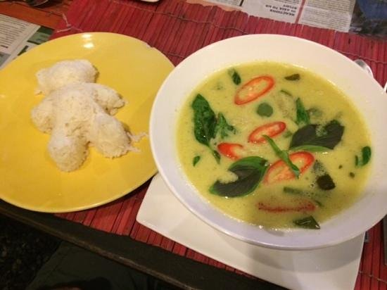 Bai Toey: Thai Green Curry with Chicken