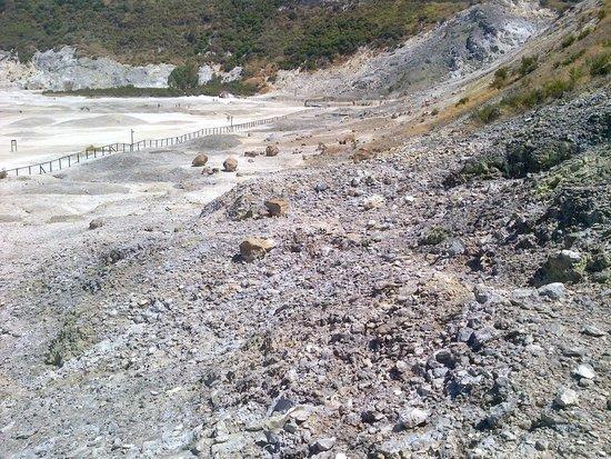 Vulcano Solfatara: Solfatara overview 1