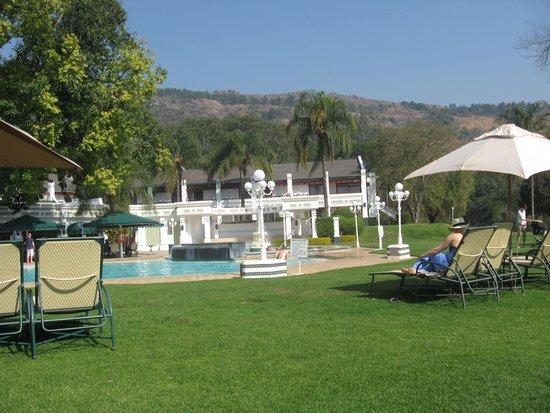 Royal Swazi Spa: The pool area