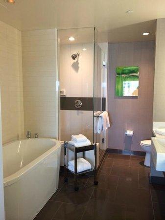 Vdara Hotel & Spa : Bathroom