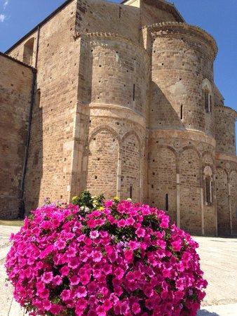 Abbazia di San Giovanni in Venere: scorcio abazzia