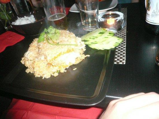 Blue Chili Thai Restaurant: Khao Phad sauce Sri Racha
