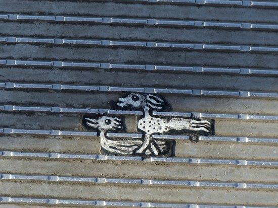 Kaugummi Art auf der Millennium Bridge