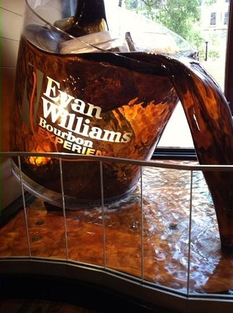 Evan Williams Bourbon Experience: Main Lobby