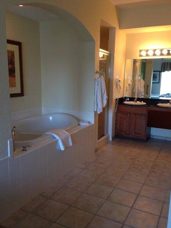 Lake Buena Vista Resort Village & Spa: Master ensuite