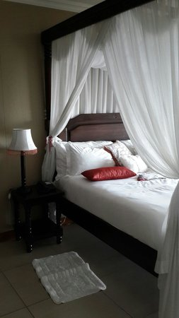 Umthunzi Hotel & Conference: Honeymoon suite