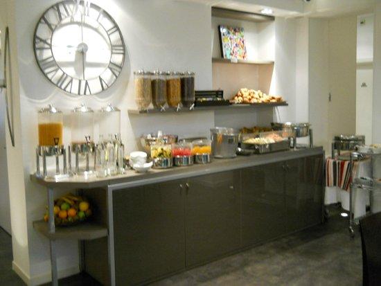 Le Marceau Bastille Hotel: Breakfast Buffet