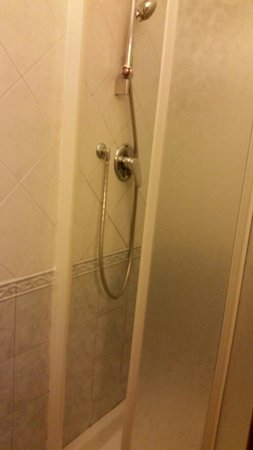 Hotel Montreal: Double room - Shower