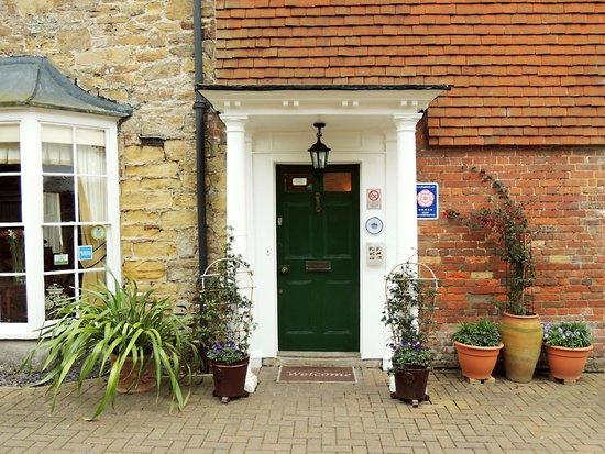 Willow Tree House : Main Entrance
