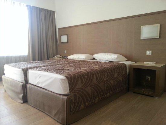 Calvi Hotel: Camera matrimoniale