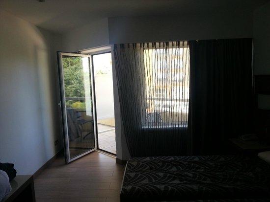 Calvi Hotel: Balcone visto dalla stanza