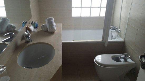 Pol & Grace Hotel: Il bagno.