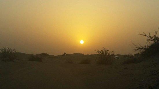 Sofitel Dubai Jumeirah Beach: Sunset at the sand dunes