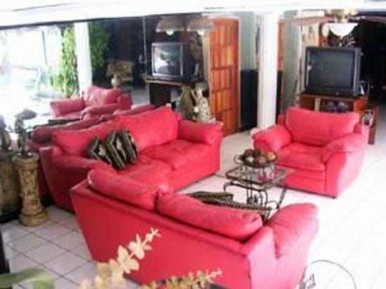 Hotel Real Altamira: area de descanso se puede ver television aqui