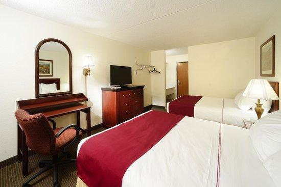 Camden Hotel & Conference Center: Double Queen