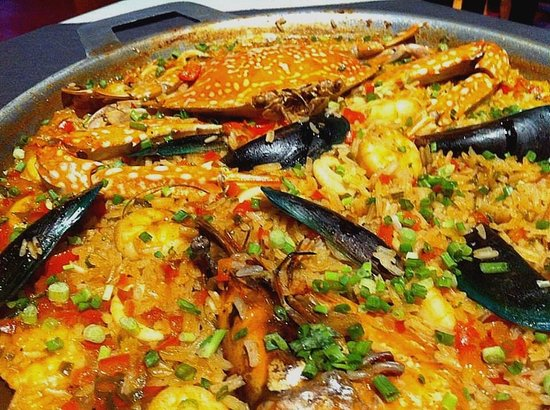 La Rumba: Paella for two persons. Requires 45 minutes preparation ...