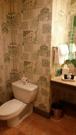 Hotel Monaco Portland - A Kimpton Hotel: Bath