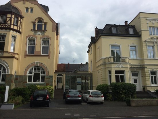 Two properties joined by glass walkway picture of villa for Boutique hotel bonn