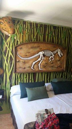 Diverhotel Marbella: Dinosaur double bed