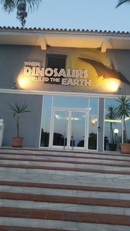 Diverhotel Marbella: Entrance to Dinosaur block