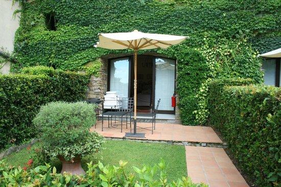 hotel room entrance picture of belmond villa san michele. Black Bedroom Furniture Sets. Home Design Ideas