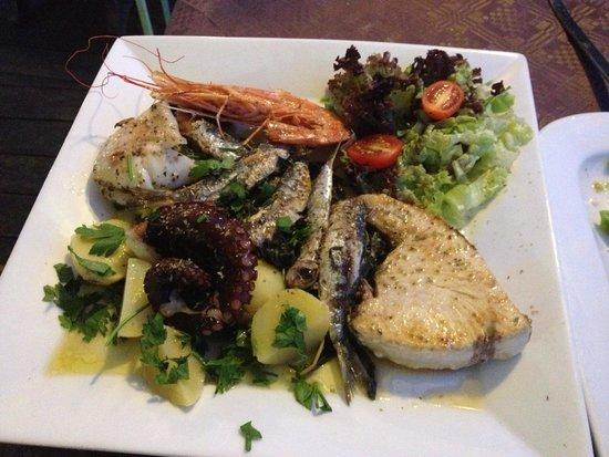 Dionysos: Seafood plate