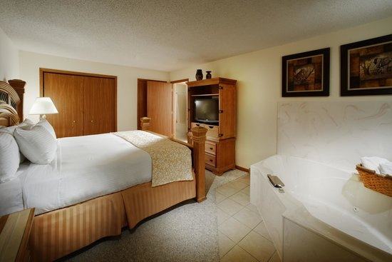 Branson's Best: Jacuzzi Suite Bedroom