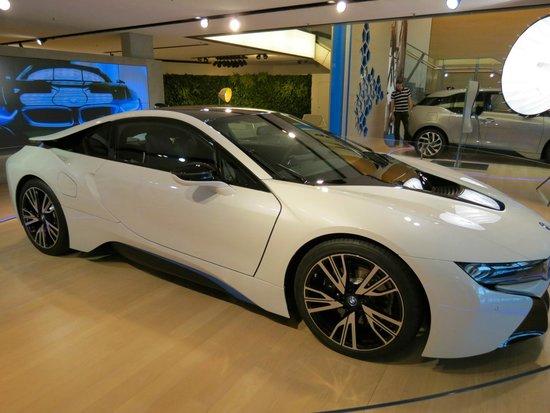 BMW Welt: BMW i8