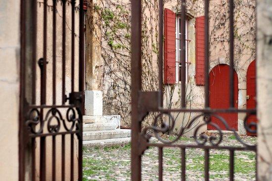 Beaurecueil, فرنسا: Entrez dans des lieux secrets !
