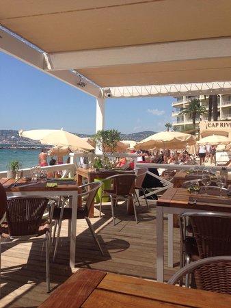 Garden Beach Hotel : Restaurant bord mer