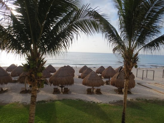 Iberostar Grand Hotel Paraiso: Morning view from our room.