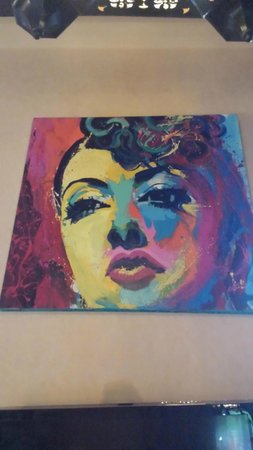 Hacienda del Lago Boutique Hotel: Weird painting of Gypsy Rose Lee marring the stunning beauty of the Presidential Suite. Yikes!